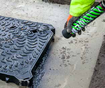 Manhole fixing with Ultracrete-SCJ_cold_joint_sealer_tack_coat
