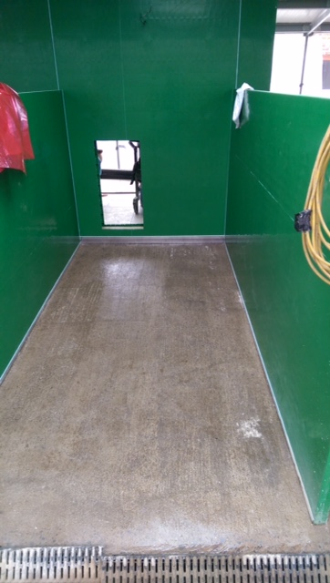New resin floor screed in puppy kennels - preparation